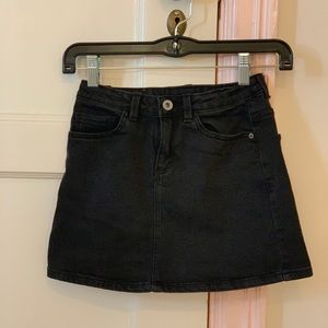 Zara girls black jean skirt ! Great condition